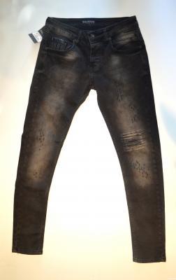 Pantallona te gjata per meshkuj