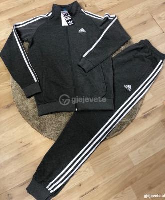 Kostum Sportiv