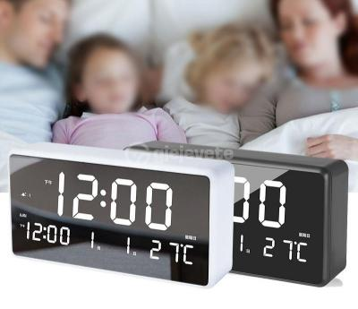 Ore dixhitale me alarm