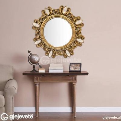 Pasqyre Muri